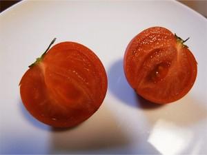 割ってみると果肉ばっかり!種ほとんどありません