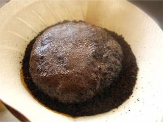 コーヒーを淹れる3