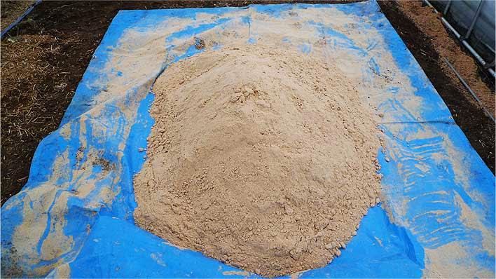 鳥取県あおぞら農園の使用しているカニ殻肥料