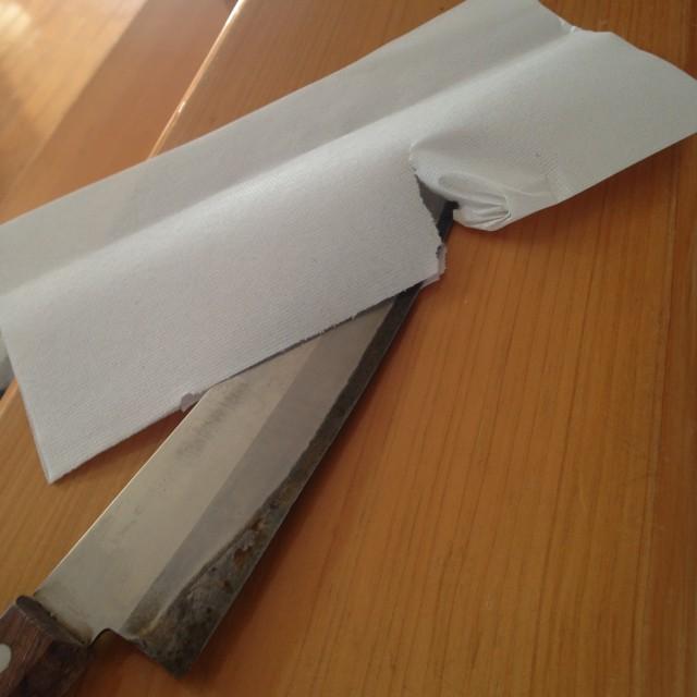 包丁のキレは、紙を切るとわかる