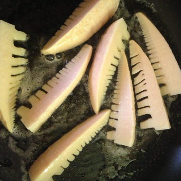 タケノコの香草バター焼き