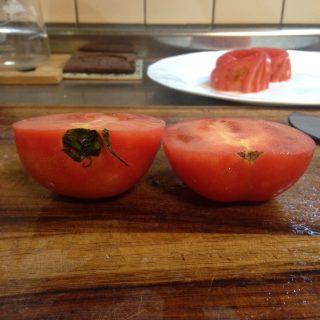 トマトのバラ