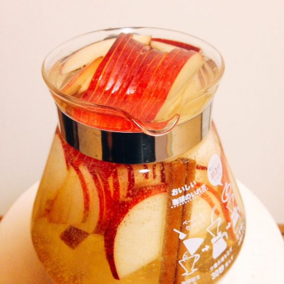 リンゴとシナモンのお茶
