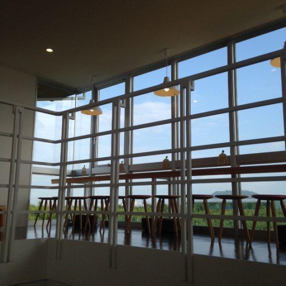 王将果樹園のカフェ2階