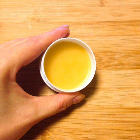 椿油の蜜ろうクリームできあがり