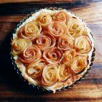 リンゴで作るバラのパイ